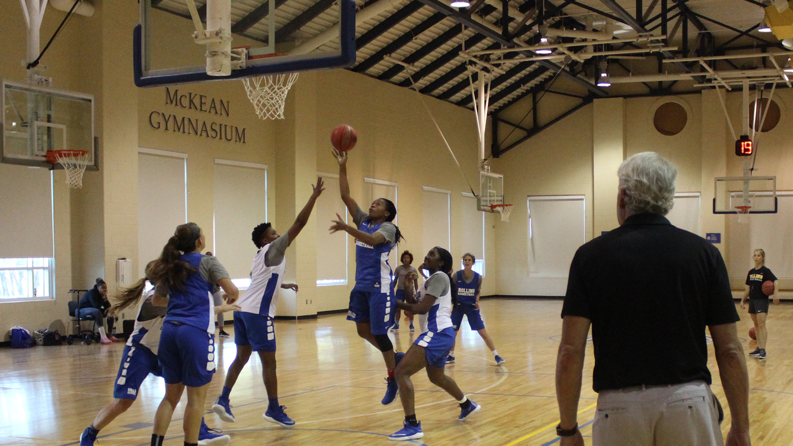Rollins women's basketball held its first practice of the 2018-19 season Tuesday evening.