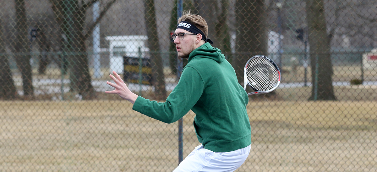 Gator men's tennis falls in E8 opener to Soaring Eagles