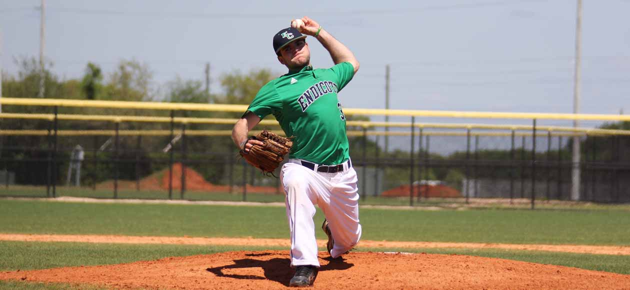 Morse Pitches Endicott past Trinity; Gulls Fall to William Paterson