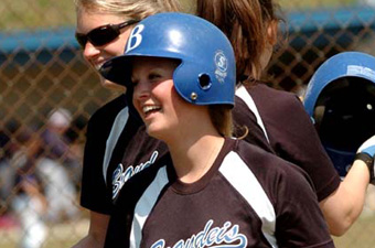 Softball splits with Suffolk
