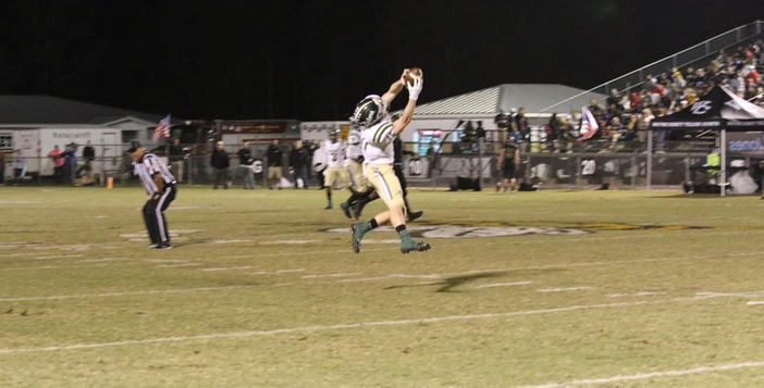 Gators Drop Region Title Game to Wayne 28-21