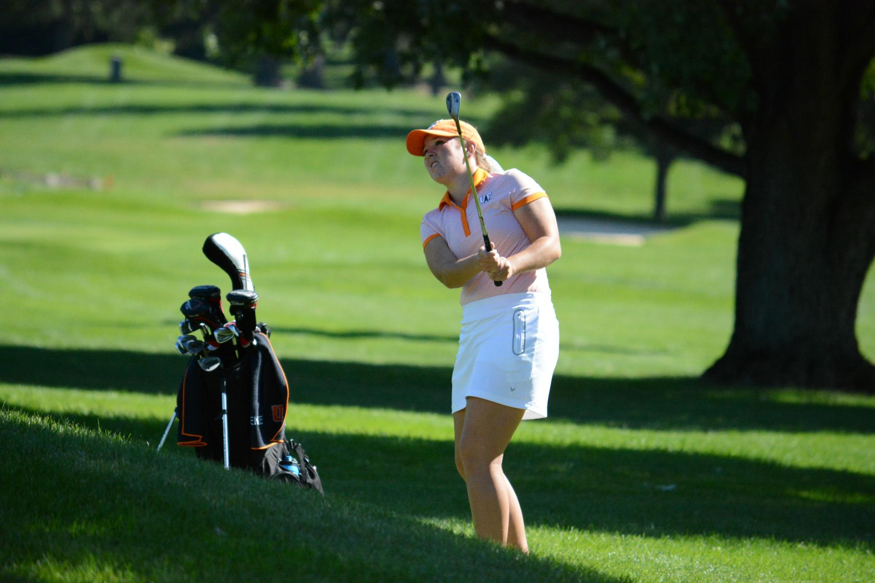 Oilers Tied for Lead at Dayton Invitational