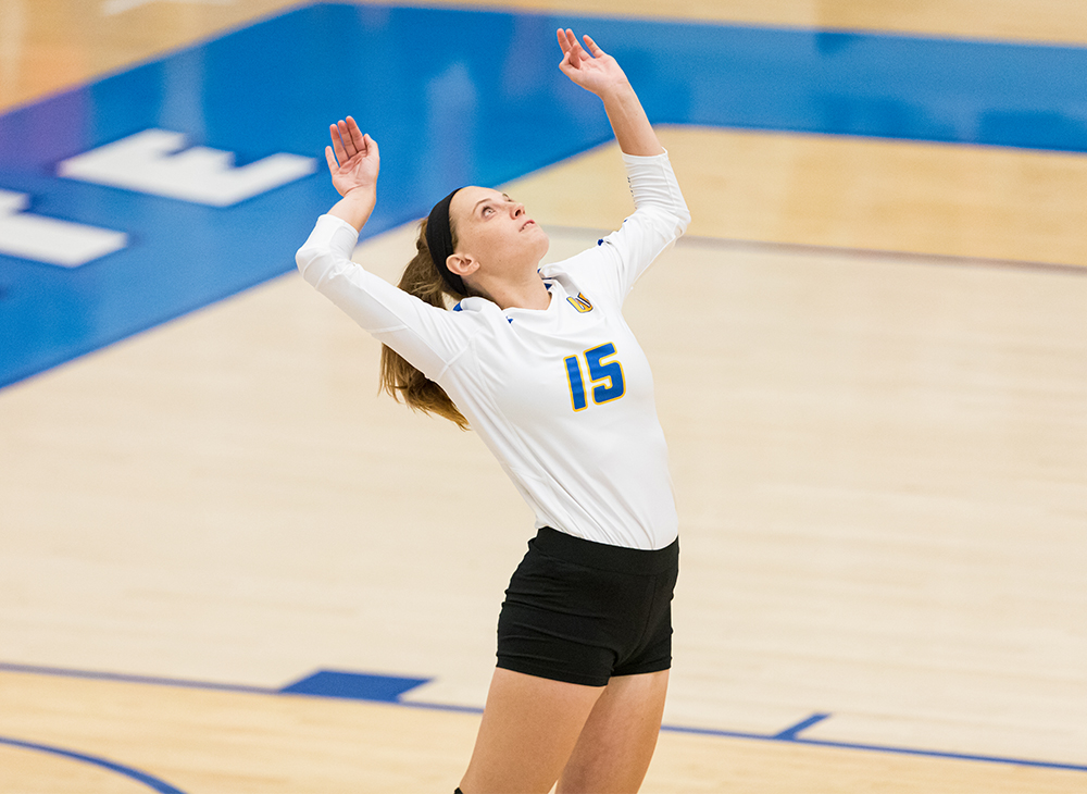 Women's Volleyball Prevails over Lasell in Five-Set Thriller