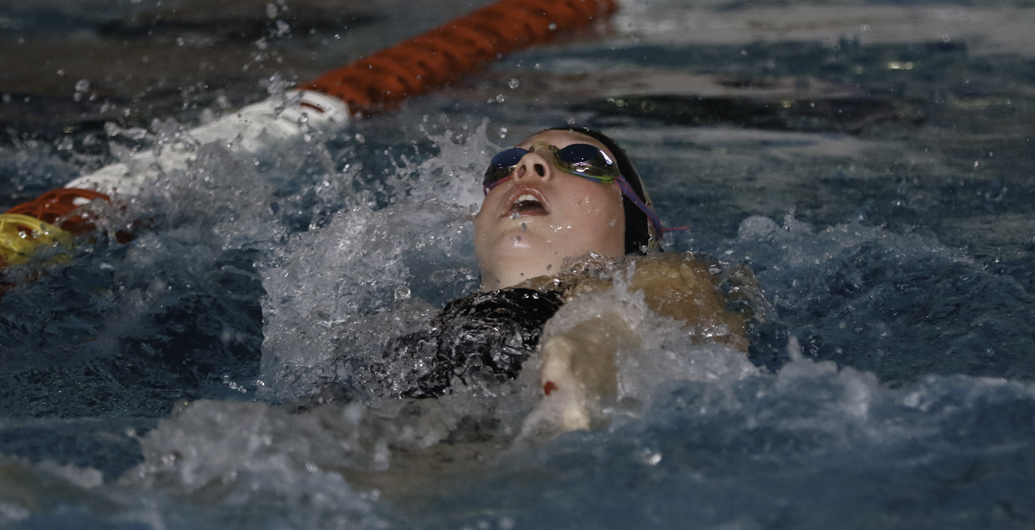 Feschuk wins prestigious U SPORTS Swimming Community Service Award