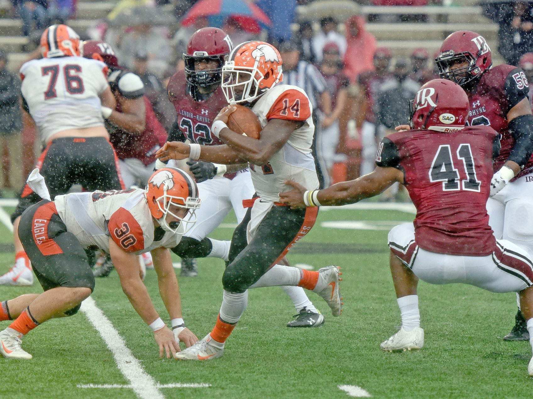 Evans matches single-game TD record, Eagles triumph over Lenoir-Rhyne