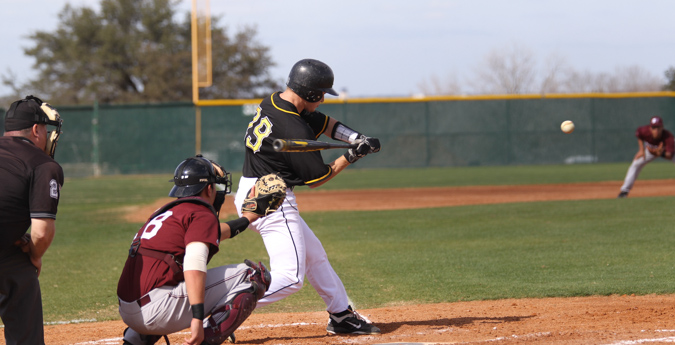Pirates' Rallies Fall Short
