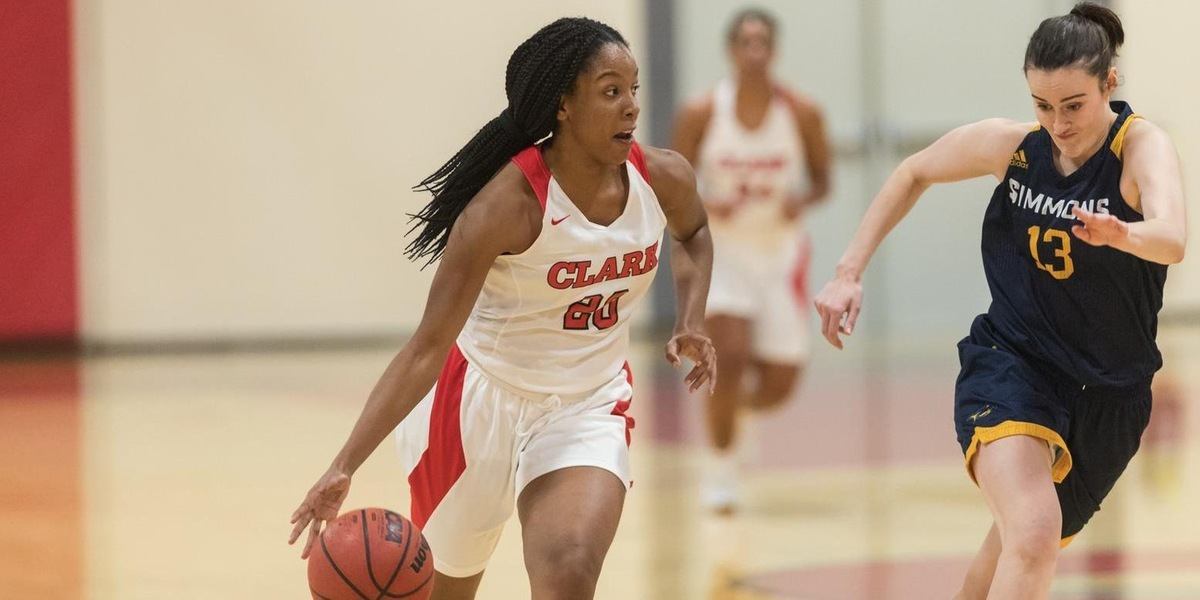 Women's Basketball Battles in Setback to Framingham State