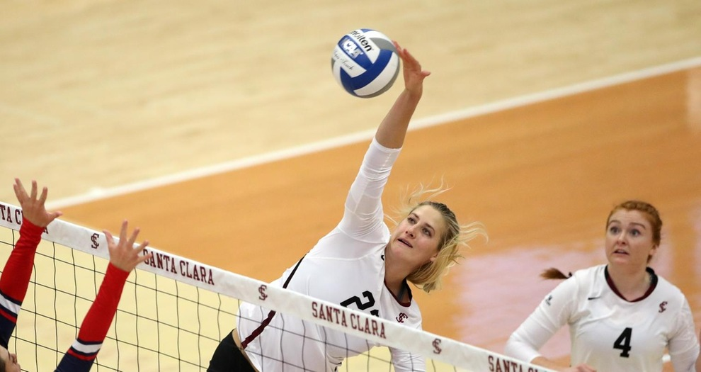 Volleyball Winning Streak Reaches Five, Downs Pepperdine in Four Sets