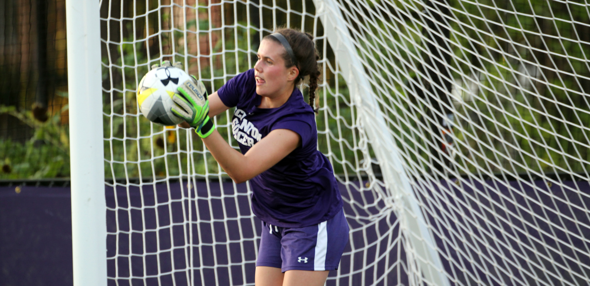 Senior goalkeeper Colleen Berry posted her sixth shutout of the season on Saturday.