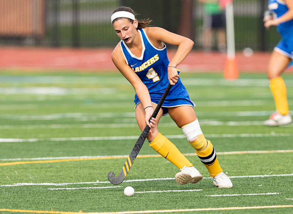 Antonelli Becomes All-Time Leading Scorer as Field Hockey Knocks Off Castleton