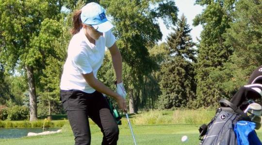 Falcon female linksters 7th at UW Whitewater Invite