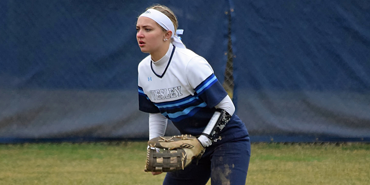 Softball stumbles at No. 7 Christopher Newport