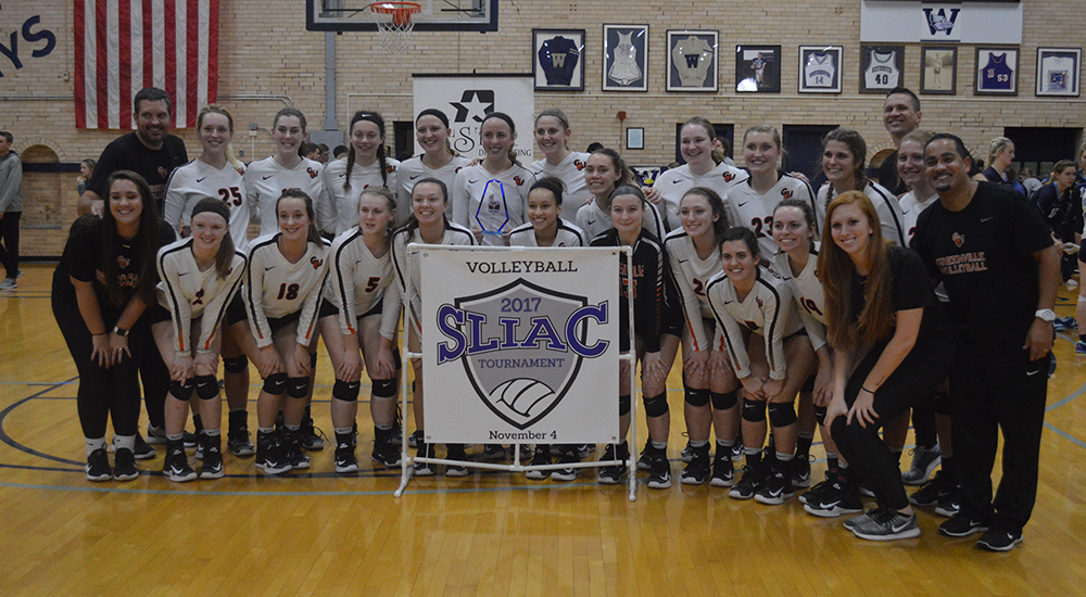 Women's volleyball completes SLIAC tournament championship three-peat, headed to NCAA's