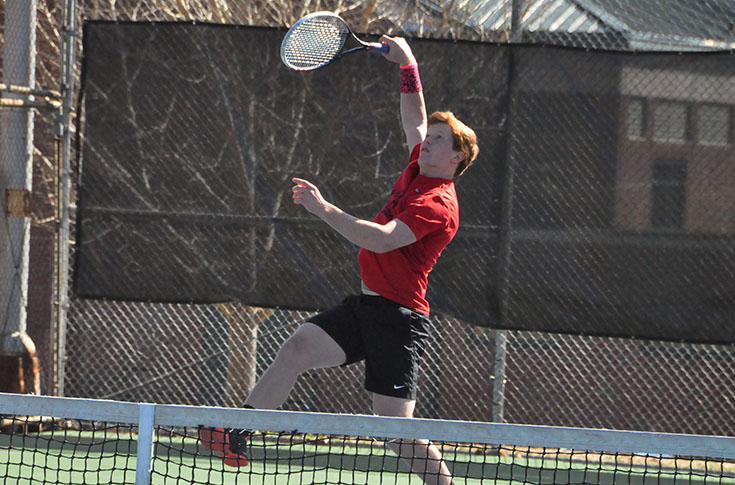 Men's Tennis: Panthers sweep Transylvania 9-0 in non-conference match