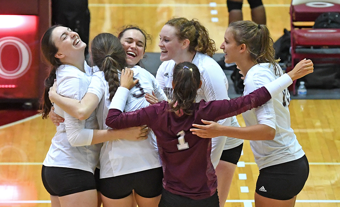 Maroon Volleyball Sweeps Through Gargoyle's Final Day; Starts 4-0