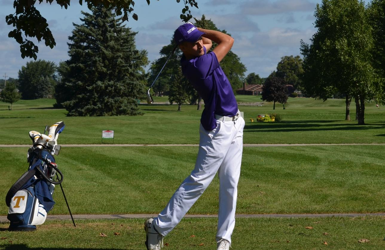 Clingaman Leads Defiance at Cleary Invitational