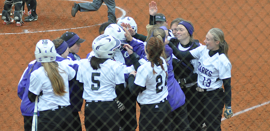 Eagles' Nine-Run Inning Secures Softball Sweep