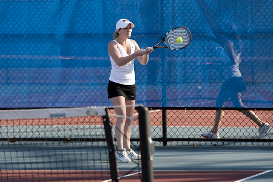 Women's Tennis falls to Swarthmore, 6-3