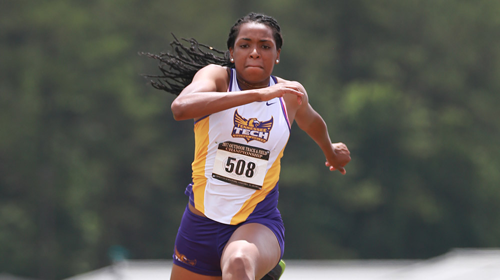 Smith, Sanga take top-eight finishes on Saturday at Lenny Lyles/Clark Wood Invitational
