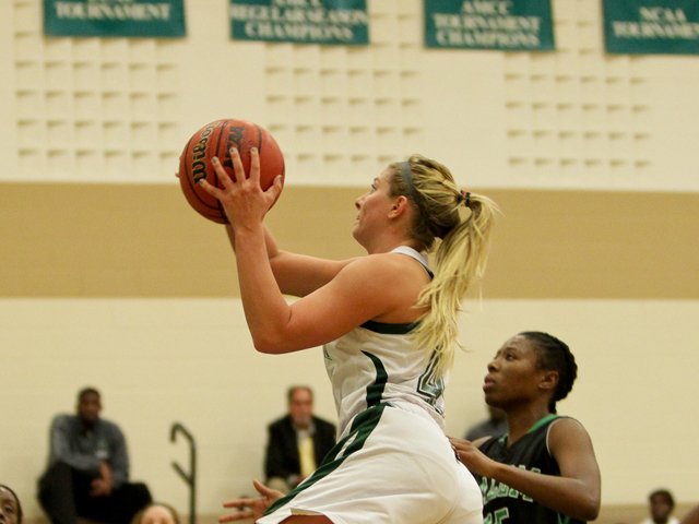 Seventh Heaven: Undefeated Storm Hold Off Hillsdale, 68-64, to Move to 7-0