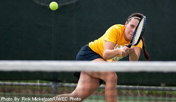 Women's Tennis Notches 6-3 Win Over Oshkosh