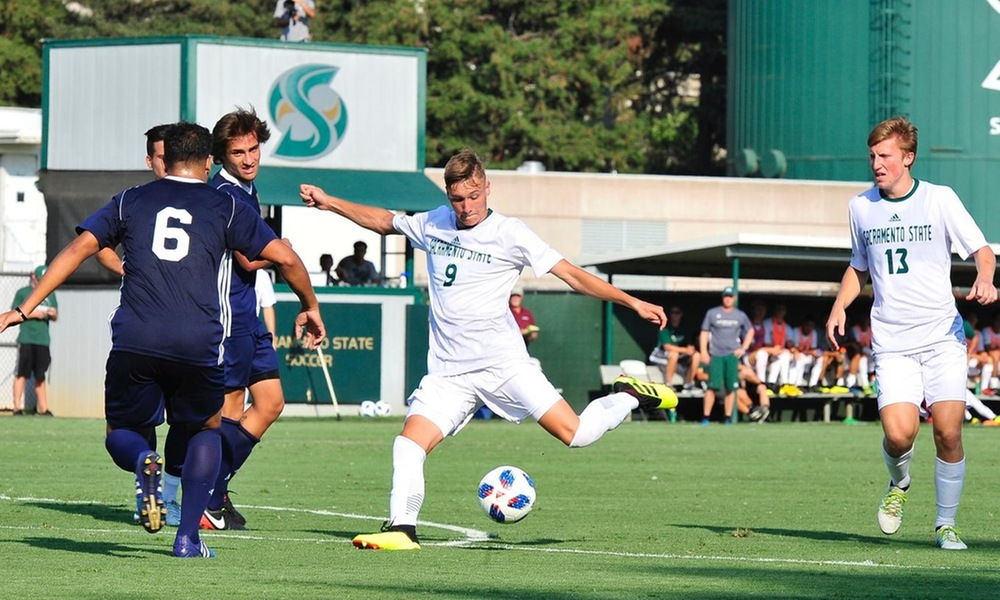 MEN'S SOCCER OPENS PRESEASON WITH 6-0 SHUTOUT WIN
