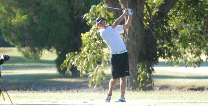 Men's Golf Falls to Trinity in Championship