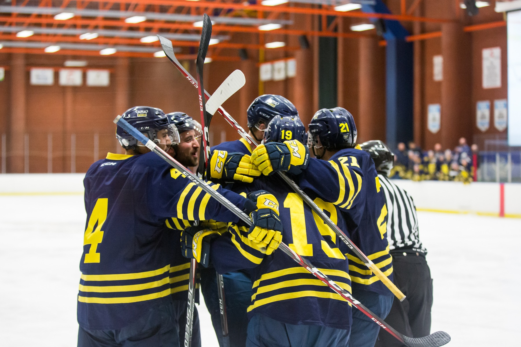 Ooks come from behind to defeat Vikings
