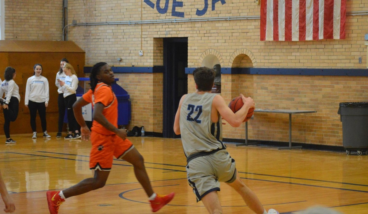 Westminster Men's Basketball Comes Up Short at Iowa Wesleyan