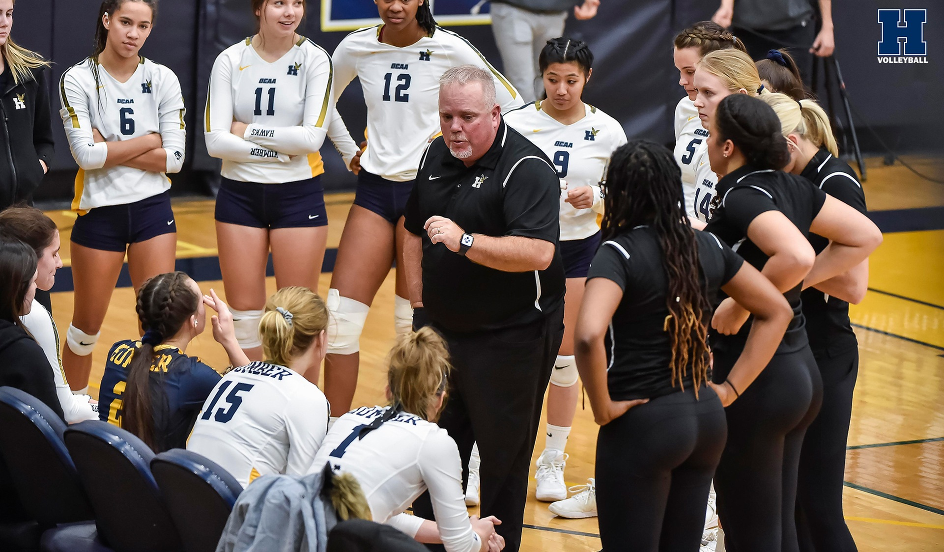 Women's Volleyball Rallies to Beat No. 14 St. Clair, 3-1