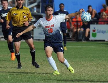 Read's late first half goal books Eagles' 2-1 win over Railsplitters
