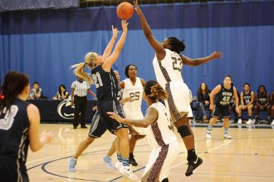 Women's Basketball earns overtime win against PSU Beaver, 82-78