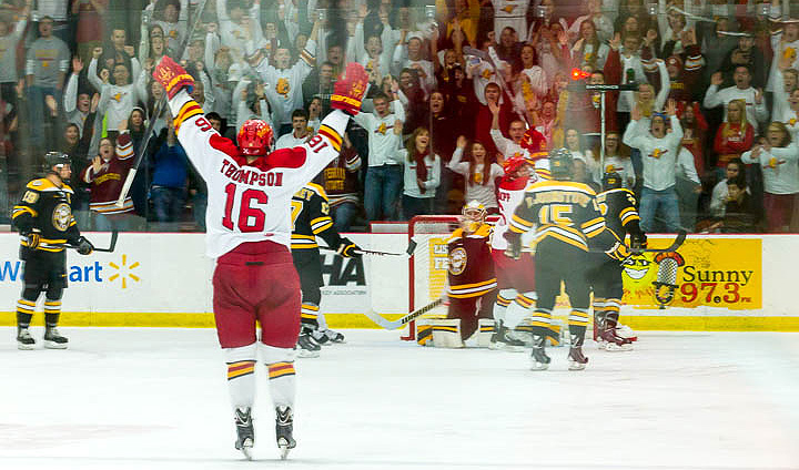Thompson's Third-Period Goal Lifts #3 Ferris State To Win Over Michigan Tech Before Sellout Crowd