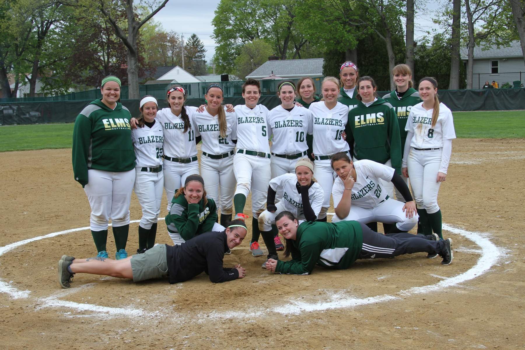 Newbury Sweeps Softball On Senior Day
