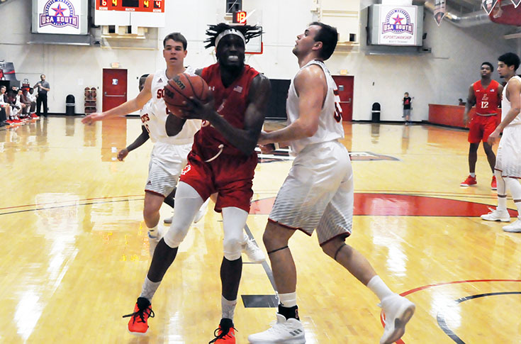 2018-19 in Review: Men's basketball beats Rhodes for first win of 2018-19 season