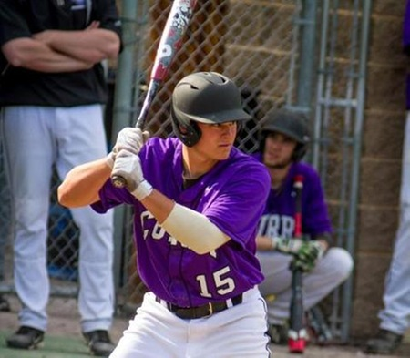 Baseball Salvages Split With Middlebury, Walks Off With Win in Nightcap