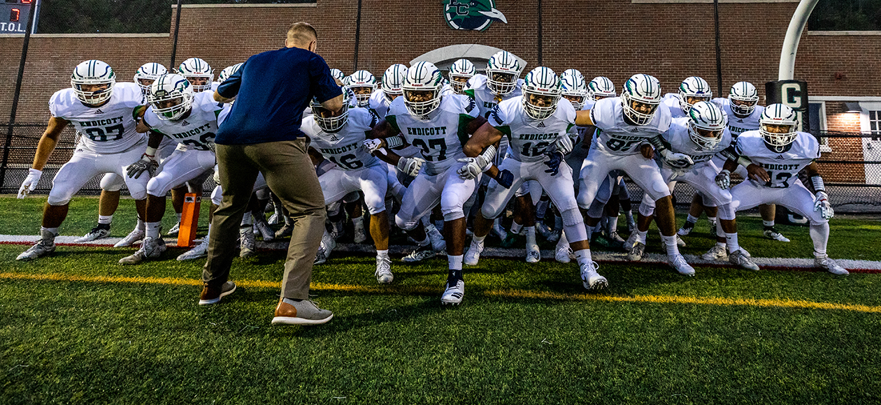 Endicott Ranked Third In First Grinold Chapter New England Division III Football Weekly Rankings