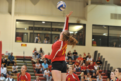 Simpson drops five-set match at Central