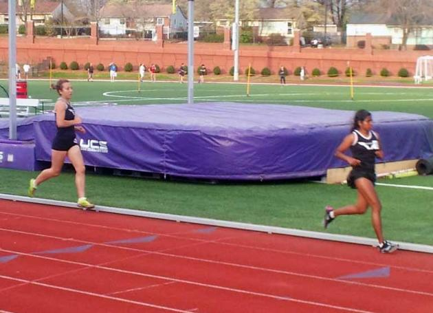 Quakers' Women's Track and Field Team Wraps Up Day One of VertKlasse Meeting