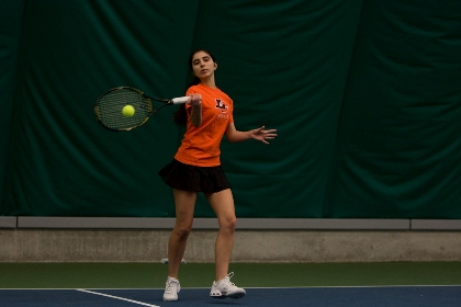 Women's Tennis Earns Fourth Straight Win