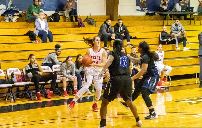 Women's Basketball Tops Bloomfield on the Road
