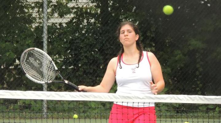 Women's Tennis Outlasts Curry, 5-4, in Conference Opener