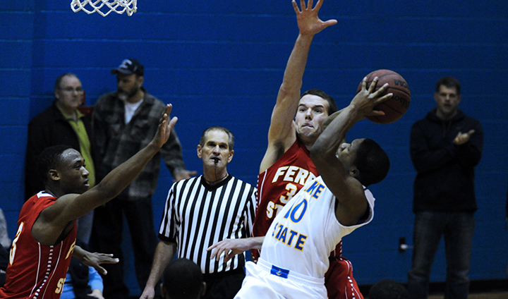 Big Spurt Leads #24 Lake Superior State Past Bulldogs In Men's Basketball Action