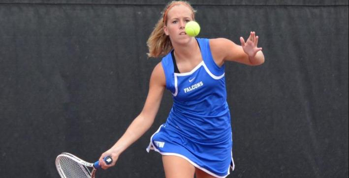 Women's Tennis cruises to fifth NAC victory of the season