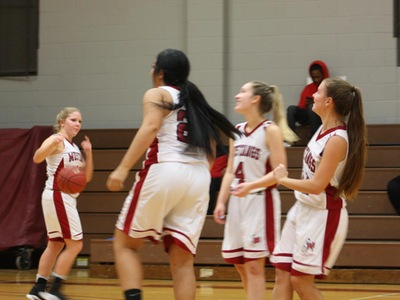 Women's Basketball: Mustangs Defeat Phantoms