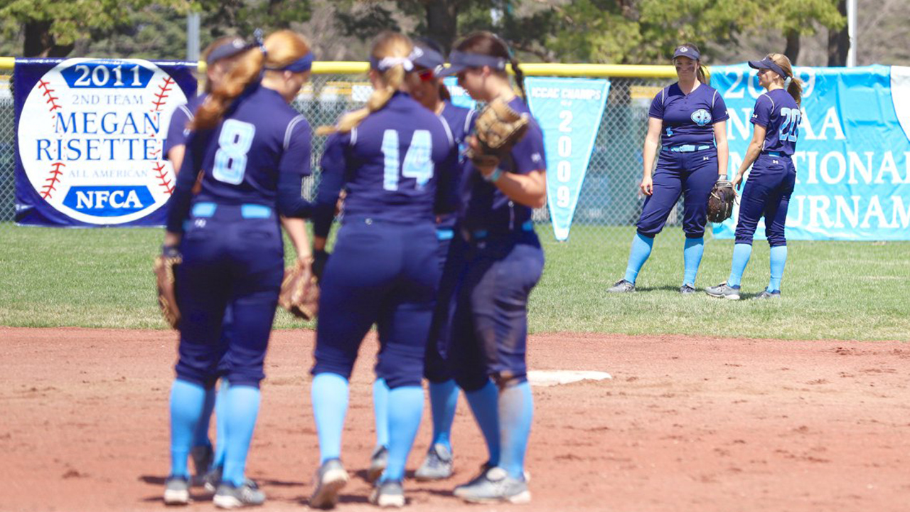 Tritons sweep through the weekend