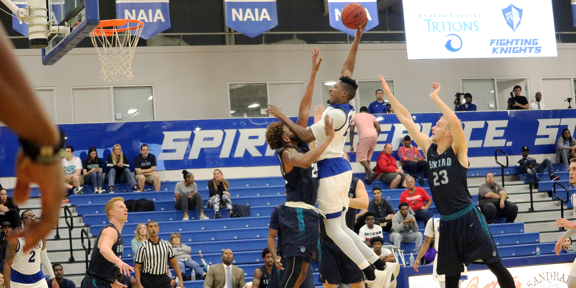 Eckerd's Staunch Defense Stifles Men's Basketball