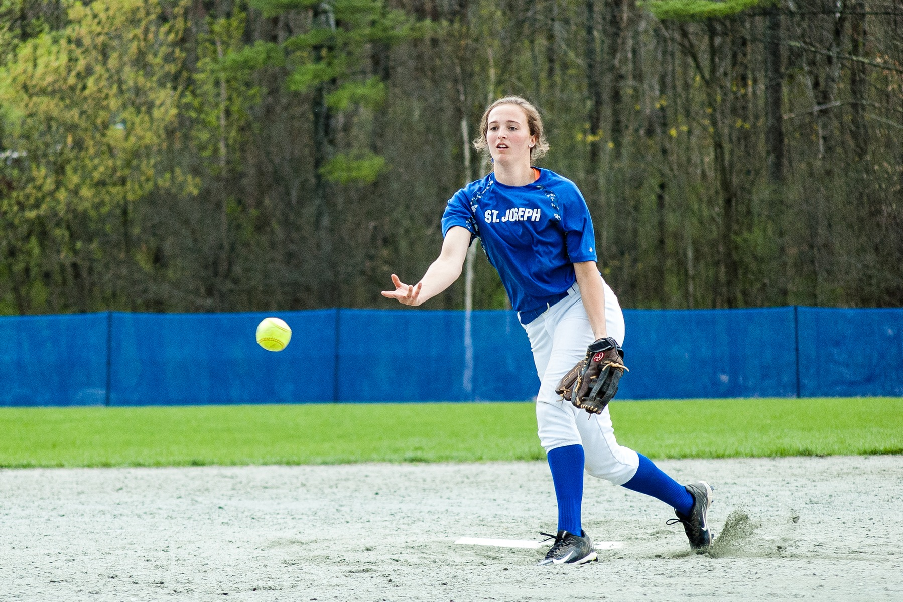 Softball to battle SMCC for a place in YSCC Fall Championship