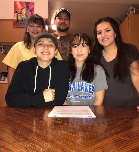 Laker Softball Signs Madisyn Arechederra