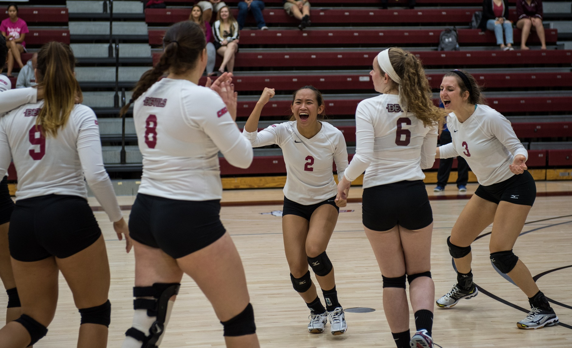 Volleyball Wins First Match of Season on Saturday; Split Final Day of Marauder Classic